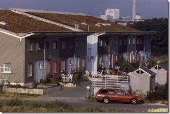 Chance auf eine große Photovoltaikanlage leider verspielt: Norddach eines Niedrigenergiehauses in Darmstadt