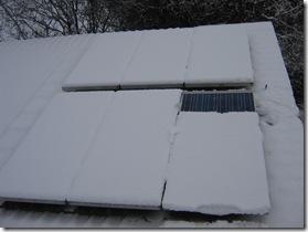 Rückbestromung eines Moduls mit 5cm Schneedecke nach 15 Minuten