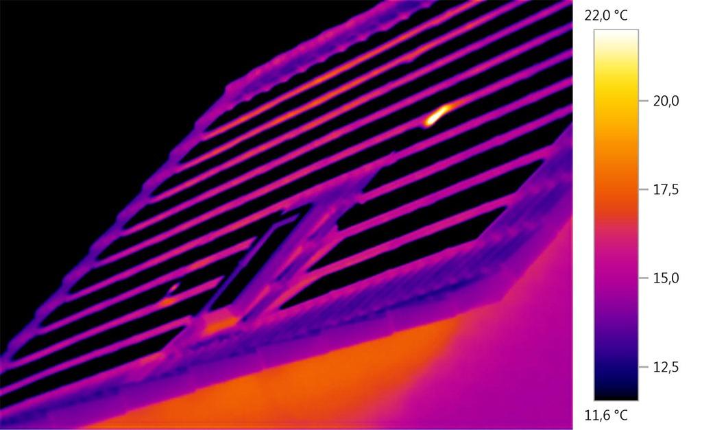 Thermographieaufnahme einer PV Anlage aus sehr ungünstigem Blickwinkel