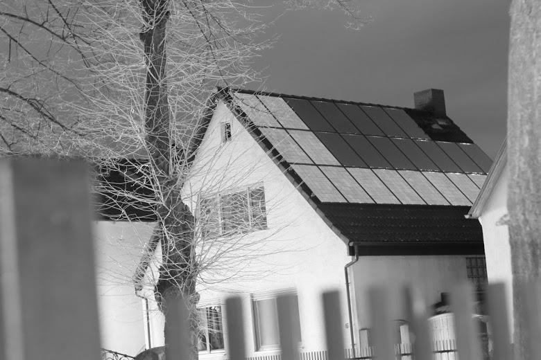 Elektrolumineszenz Aufnahme einer Solarstromanlage zur Bestimmung der Lage der einzelnen Modulstränge