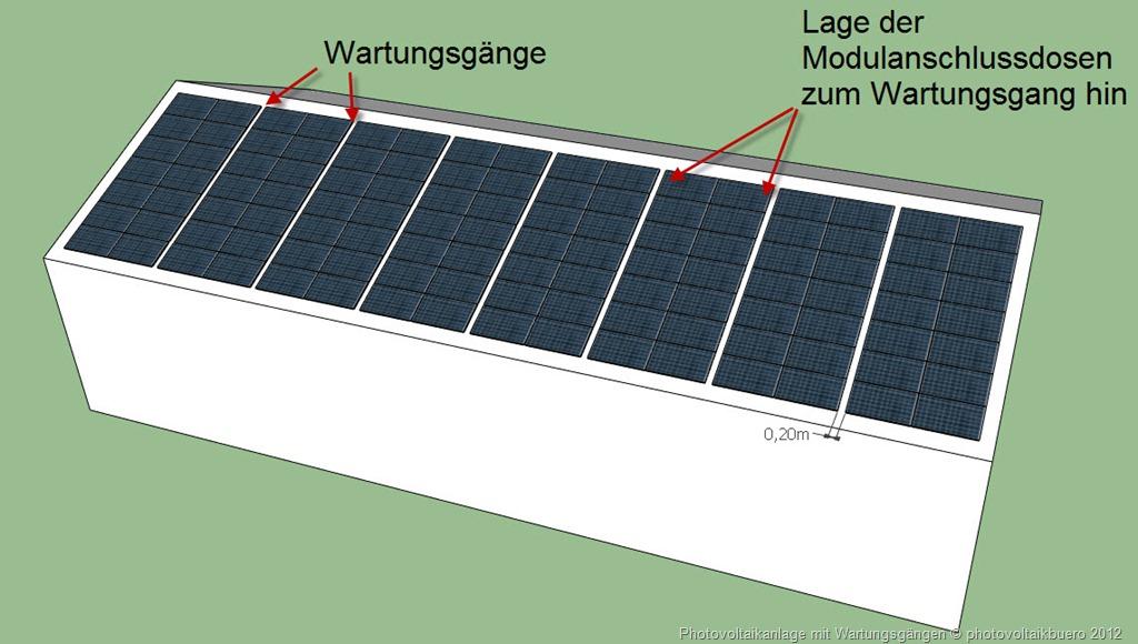 Photovoltaikanlage mit Wartungsgängen: Jede Modulanschlussdose ist von einem Wartungsgang aus erreichbar