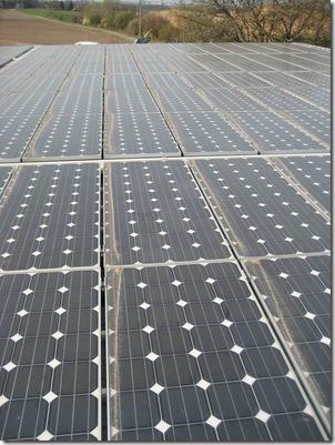 Photovoltaikanlage vor der Reinigung