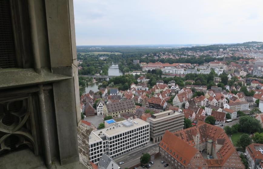 Als Elektromobilist lernt man das Land kennen. Blick vom Ulmer Münster.