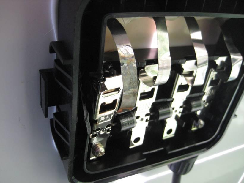 Wenn die Unterbrechung innerhalb der Modulanschlussdose liegt, ist der Schaden reparabel