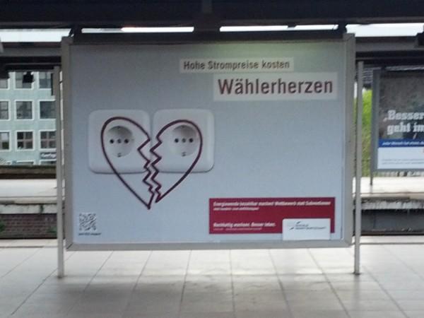 Plakat am Berliner Hauptbahnhof September/Oktober 2012; Quelle: Piksa